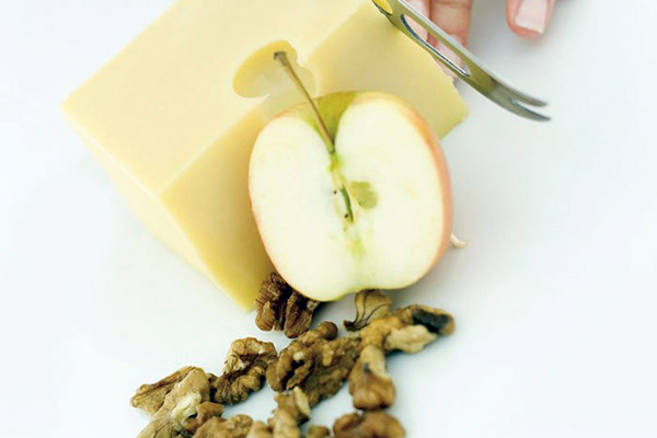 cheese, apple and walnuts